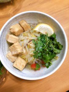 料理下手がベトナムの人気料理フォーを作ってみた。パクチー不評