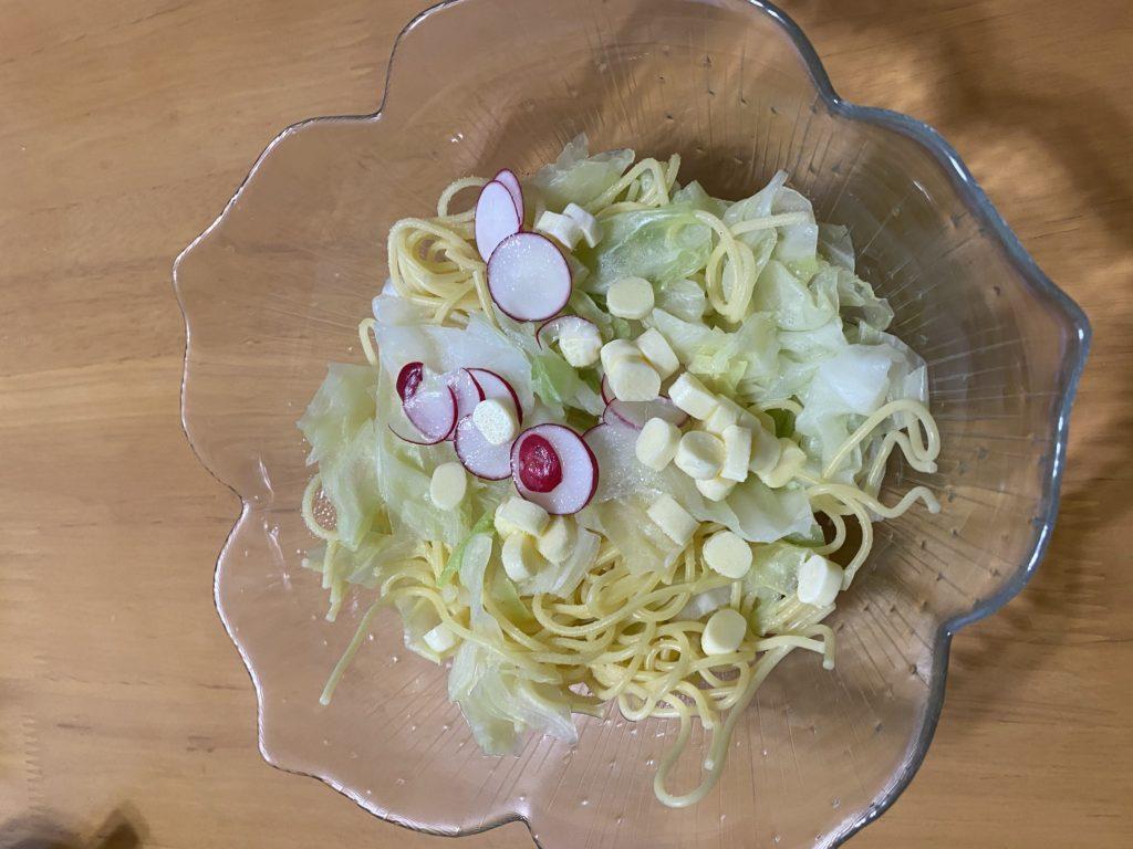 ヨシケイ和彩ごよみ(プレミアム)の豚のハーブソテーレモン添えと副食を作りました