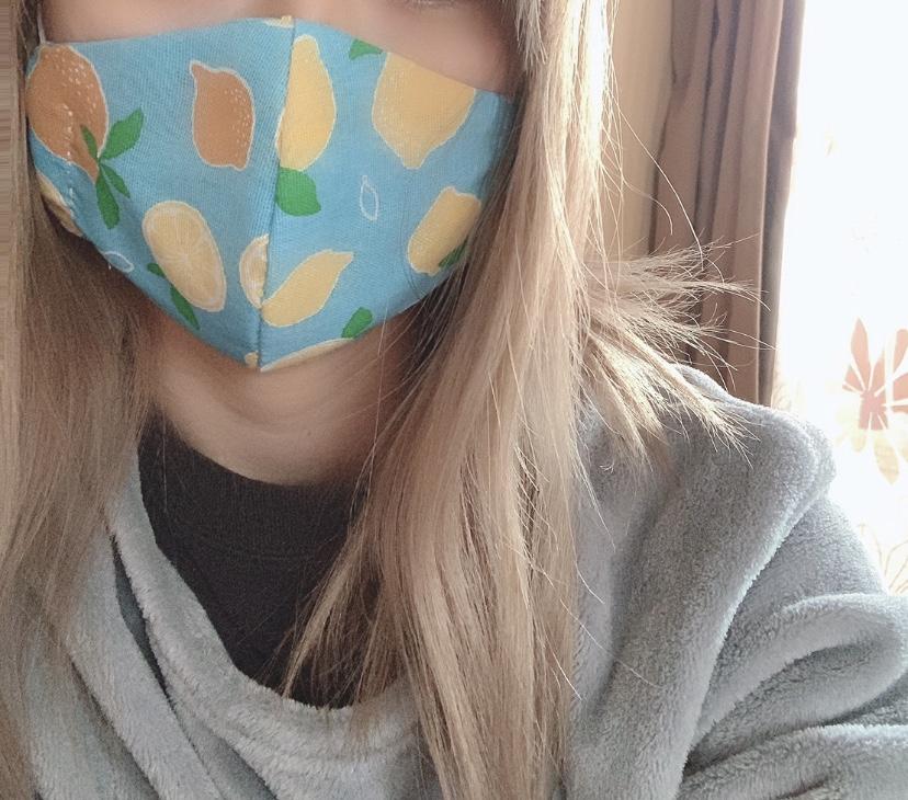 パソコンを開くと、ついマスクの広告をクリックしてしまう。